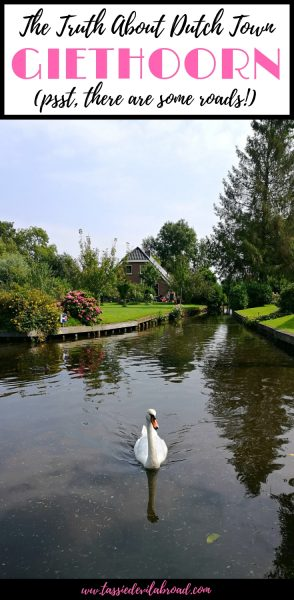 Busting the myths and giving you the facts about visiting Giethoorn, the Dutch town with 'no roads'. #giethoorn