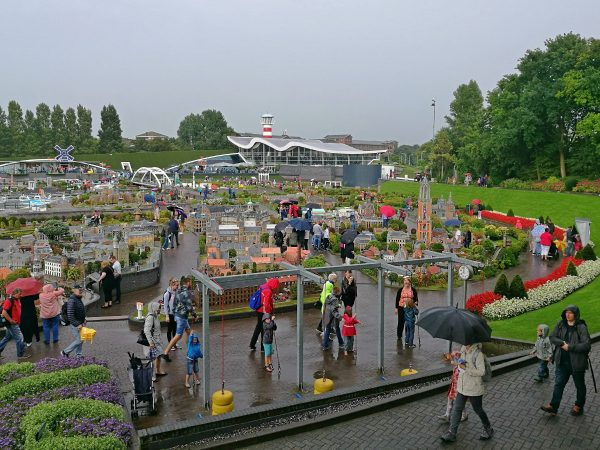 How to see the whole of Holland in one day at Madurodam! Find out all about this amazing attraction in the Hague right here. #netherlands #holland #madurodam