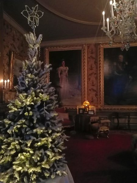 Everything you need to know about visiting the Dutch royal palace of Paleis Het Loo, and how it changes through the seasons!