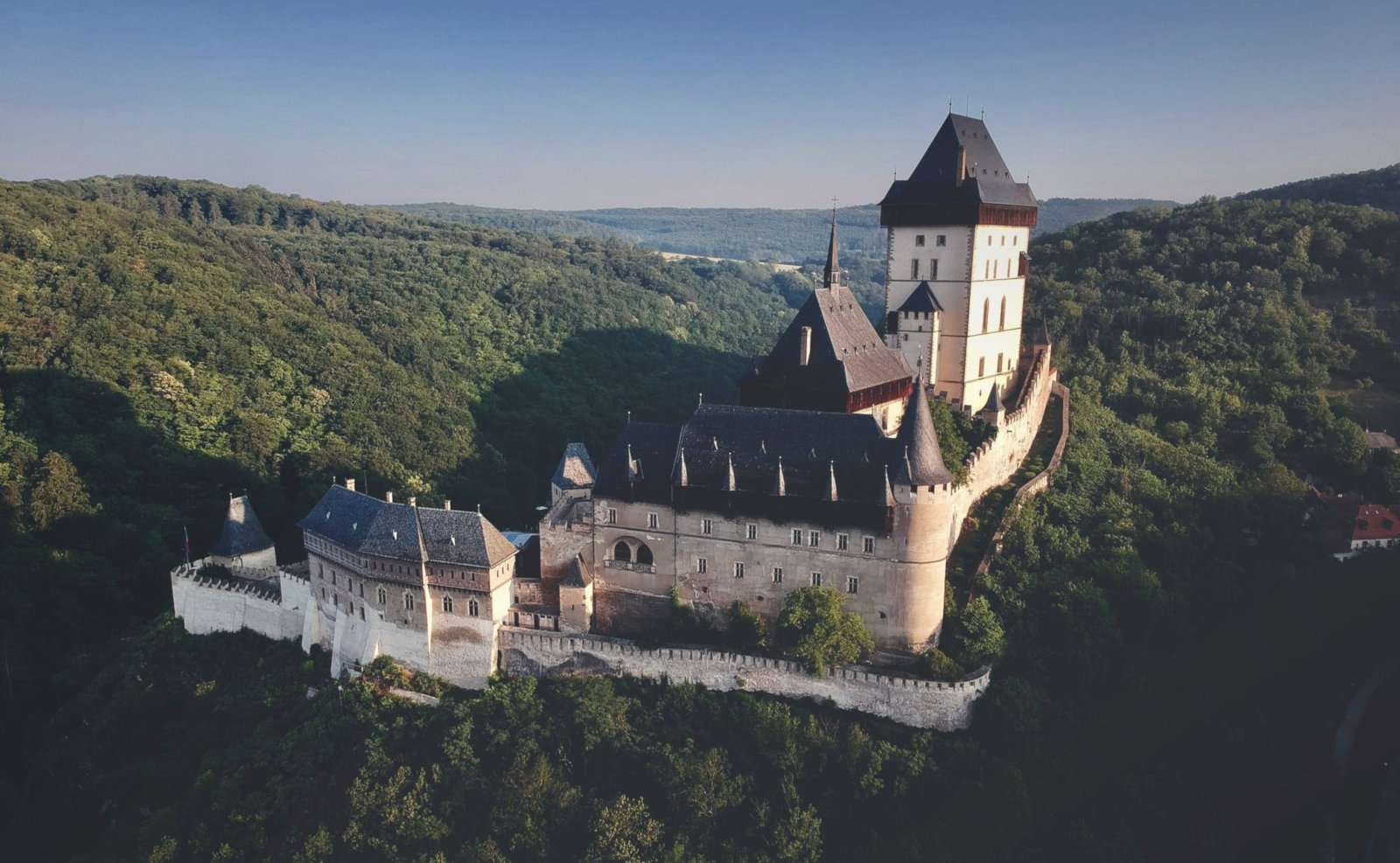 A gorgeous castle in Czech Republic that will remind you of playing Kingdom Come: Deliverance.